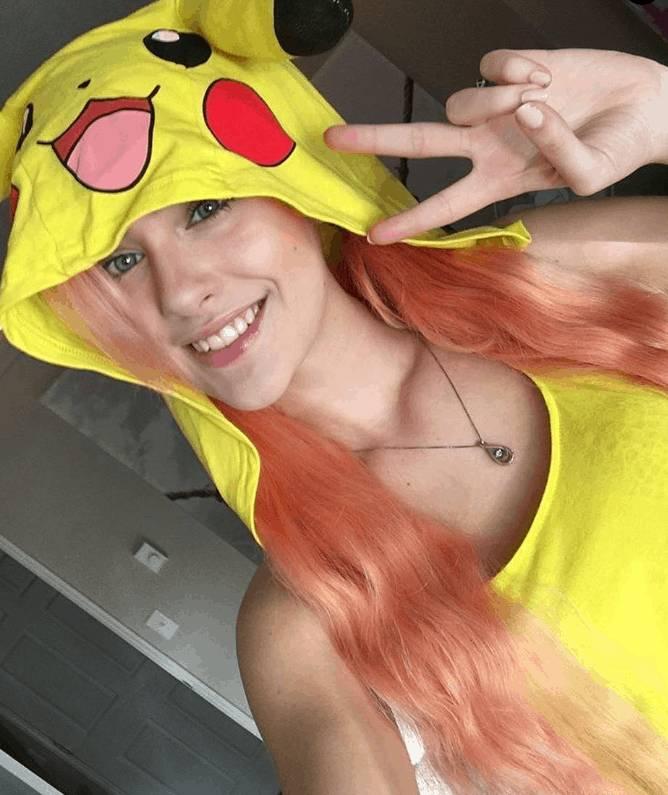 Twitch Bann Clarababylegs Pikachu Dress